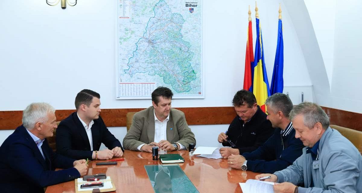 ADD Bihor a semnat contractul pentru execuția lucrărilor la bazinul de înot din Ștei